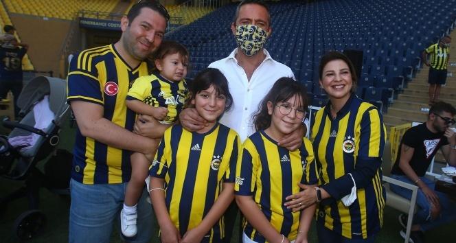 Ali Koç, Ülker Stadı'ndaki kahvaltıda taraftarlarla bir araya geldi