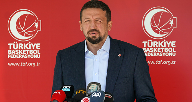Hidayet Türkoğlu: 'Zafer Bayramımızı kutluyorum'