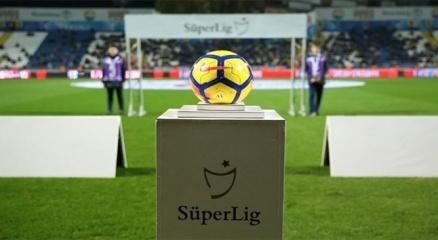 Bakan Kasapoğlundan futbolda 2020-2021 sezonu açılış mesajı