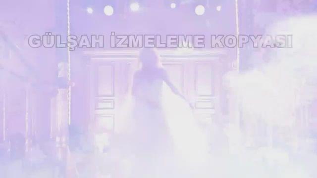 Gülşah Saraçoğlu Doya Doya Moda'da yere kapaklandı