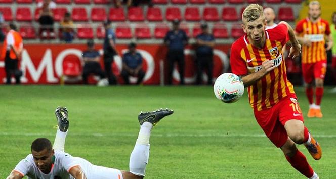 Kayserispor'da transfer tahtası açılarak oyuncuların lisansları açıldı