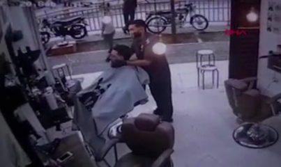 Kolombiya'da berber koltuğundaki müşteriye infaz