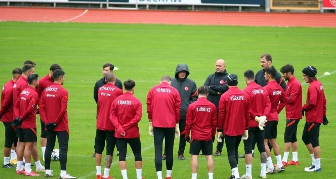 A Milli Futbol Takımı, Rusya maçının hazırlıklarına başladı