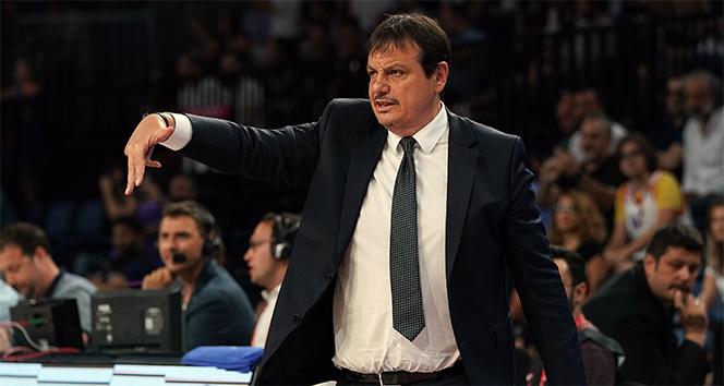 """Ergin Ataman: """"Kazanmak için az top kaybı yapmalı ve kontrollü hücum etmeliyiz"""""""