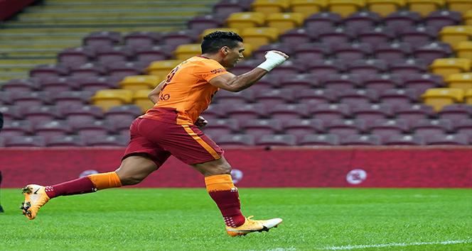 Radamel Falcao 4. golünü attı
