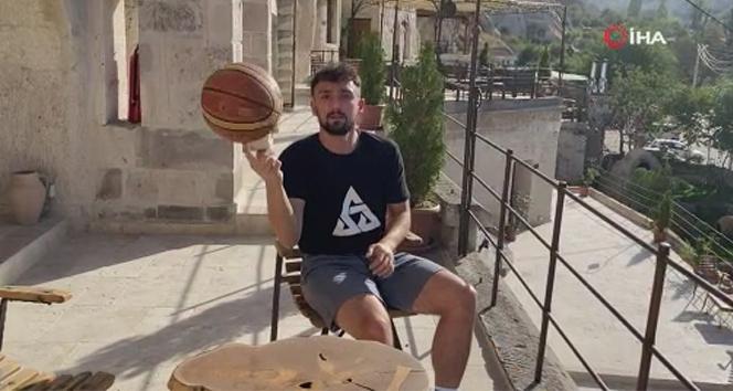 Sebo Göndür'den basket şov