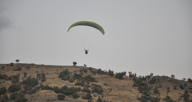 Şırnak'ta Türkiye Yamaç Paraşütü Hedef Şampiyonası Finali
