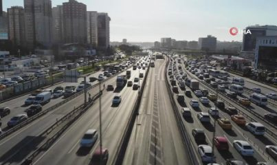İstanbul'da kısıtlamaya saatler kala trafik yüzde 74
