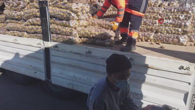 - Bağcılar'da 10 bin aileye 200 ton patates yardımı