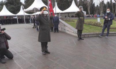 İSTANBUL - Çanakkale şehitleri Edirnekapı Şehitliği'nde düzenlenen programda anıldı