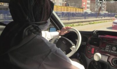 İZMİR - Dolmuş şoförlüğüne başlayan genç kız babasını gururlandırdı