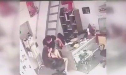 Marmaris'te bir erkeğin kız arkadaşını darbettiği anlar sosyal medyaya yansıdı