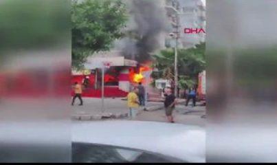 İş yerinde çıkan yangında mahsur kalan kişiyi vatandaşlar kurtardı