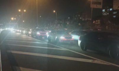 İSTANBUL - Avrasya Tüneli'ndeki araç yangını trafik yoğunluğuna neden oldu