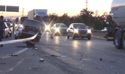 Manisa'da karşı şeride geçen otomobil takla attı: 1 ölü