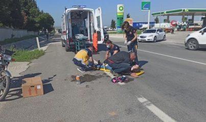 Motosikletli çift kaza yaptı, şoku atlatamayan eşini böyle teselli etti