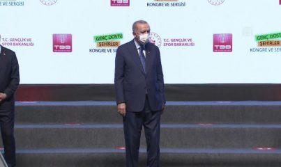 ANKARA - Cumhurbaşkanı Erdoğan, Genç Dostu Şehirler Kongre ve Sergisi'ne katıldı (1)
