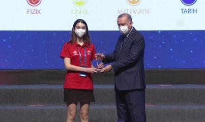 ANKARA - Cumhurbaşkanı Erdoğan, Genç Dostu Şehirler Kongre ve Sergisi'ne katıldı (2)