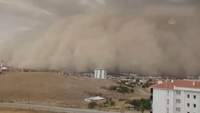 Ankara'da kum fırtınası!